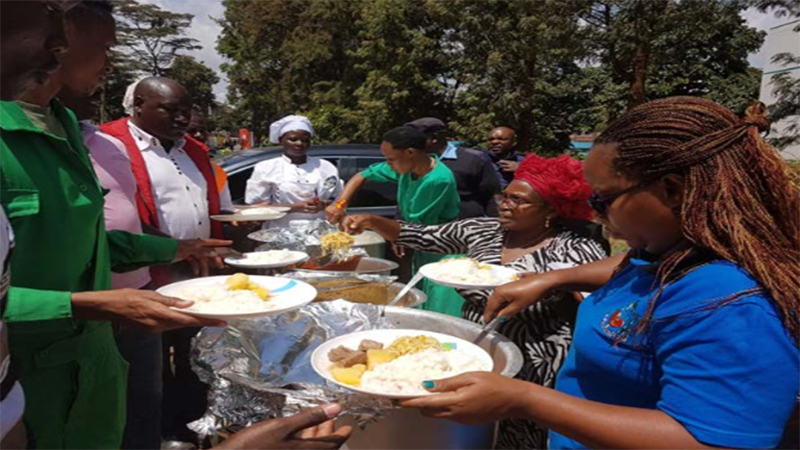 Parishioners of Holy Trinity-Kileleshwa, St Austin and Consolata shrine serve food and refreshments to rescue teams at the 14 Riverside drive on 16th January 2019.